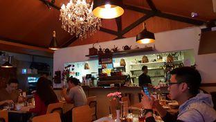 Foto 1 - Interior di Expatriate Restaurant oleh Yunnita Lie