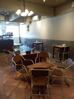 Foto 9 - Interior di Kedai Roti Kobi oleh duocicip