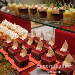 Foto review Satoo Garden Restaurant & Lounge - Hotel Shangri-La oleh Darsehsri Handayani 35