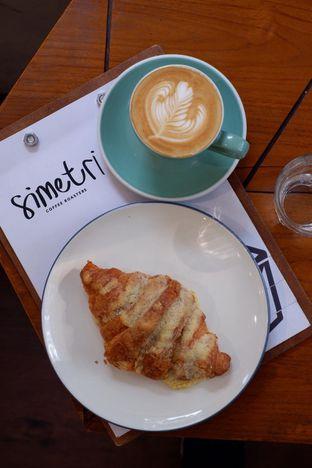 Foto 16 - Makanan di Simetri Coffee Roasters oleh yudistira ishak abrar