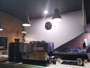 Foto 7 - Interior di The CoffeeCompanion oleh yeli nurlena