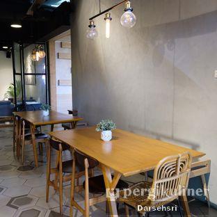 Foto 12 - Interior di Hygge Coffee oleh Darsehsri Handayani