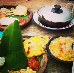 Foto 4 - Makanan(Nasi Tutug Oncom + Nasi Liwet Komplit) di Warung Talaga oleh Rury Rahayu Dee