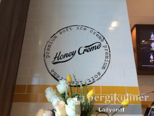 Foto 11 - Interior di Honey Creme oleh Ladyonaf @placetogoandeat