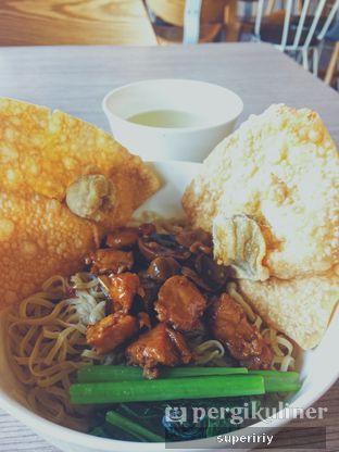 Foto 1 - Makanan(bakmi spc GM pangsit goreng) di Bakmi GM oleh @supeririy