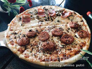 Foto 5 - Makanan(mixed pizza) di La Vera Pizza oleh Melody Utomo Putri