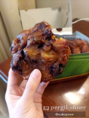 Foto 1 - Makanan di Pisang Goreng Madu Bu Nanik oleh Onaka Zone