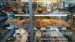 Foto 4 - Interior di Caribou Coffee oleh Jakartarandomeats