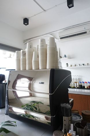 Foto 8 - Interior di Moro Coffee, Bread and Else oleh inggie @makandll