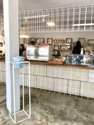 Foto 10 - Interior di Artwork Coffee Space oleh Prido ZH
