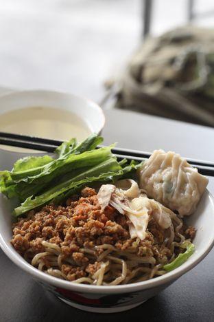 Foto 8 - Makanan di Bakmi Karet Surya oleh thehandsofcuisine