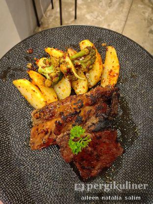 Foto 1 - Makanan di Hoghock oleh @NonikJajan