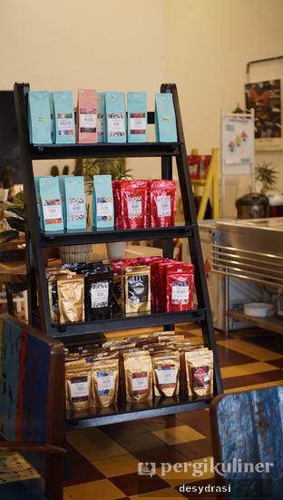 Foto 6 - Interior di Gedogan Coffee House oleh Desy Mustika