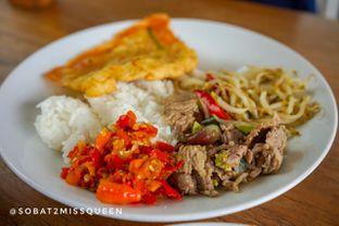 Foto 1 - Makanan di Warung Nako oleh Olivia Olen
