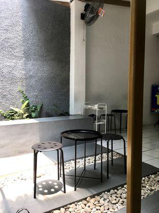 Foto 9 - Interior di Saksama Coffee oleh Prido ZH