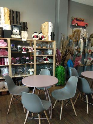 Foto 7 - Interior di Bloom Ngopi oleh Nicole || @diaryanakmakan