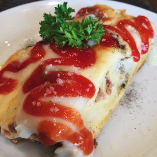 Foto 1 - Makanan(Lasagna) di H.E.M.A. Resto oleh Magdalena Fridawati