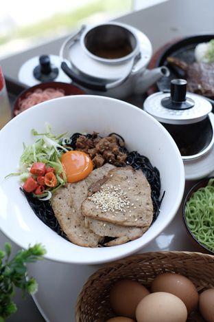 Foto 3 - Makanan di Universal Noodle Ichiro Chazuke Ramen Market oleh Nanakoot