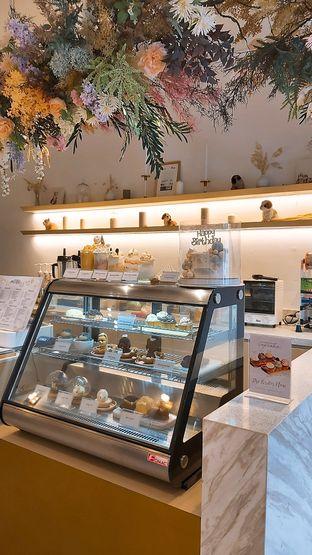 Foto 3 - Interior di C for Cupcakes & Coffee oleh Sopuwatunnisa