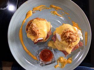 Foto 5 - Makanan(Egg benedict) di Cultivate oleh Komentator Isenk