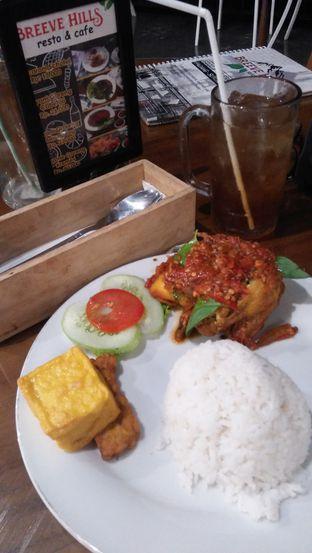 Foto 7 - Makanan di Breeve Hills Resto & Cafe oleh Review Dika & Opik (@go2dika)