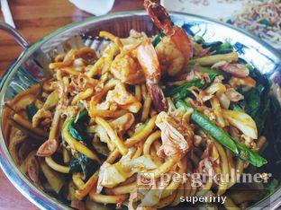 Foto 2 - Makanan(mie goreng aceh) di Botanika oleh @supeririy