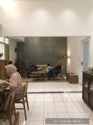 Foto 5 - Interior di Titik Temu Coffee oleh riamrt