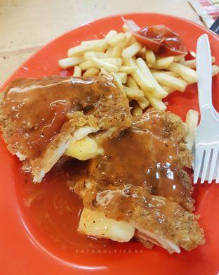 Foto - Makanan di Clemmons Express oleh Eat and Leisure