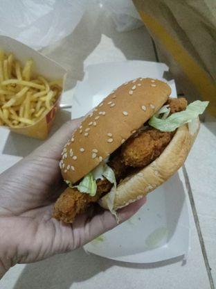 Foto 2 - Makanan(McSpicy) di McDonald's oleh Ratu Aghnia