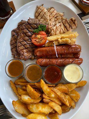 Foto review Justus Steakhouse oleh Nadhira Lutfiah 2