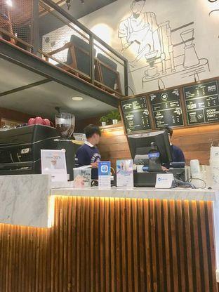 Foto 1 - Interior di Blue Lane Coffee oleh Prido ZH