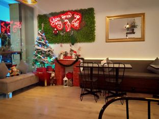 Foto 3 - Interior di Five Spice Eatery and Coffee oleh Florentine Lin