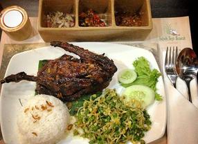6 Bebek Bakar di Jakarta yang Sayang untuk Kamu Lewatkan