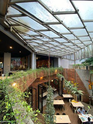 Foto 2 - Interior di Colibri Cafe & Bakery oleh @makankudiary (by tamy)