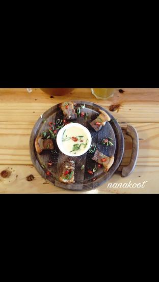 Foto 4 - Makanan di Monchitto Gourmet Pizza oleh Nanakoot