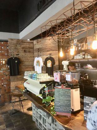 Foto 16 - Interior di Fillmore Coffee oleh Prido ZH