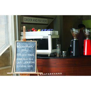 Foto 9 - Interior di Cascara Coffee oleh Ana Farkhana