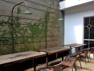 Foto 4 - Interior di Please Please Please oleh Eat and Leisure