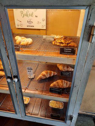 Foto 2 - Interior di Darling Habit Bake & Butter oleh @bondtastebuds