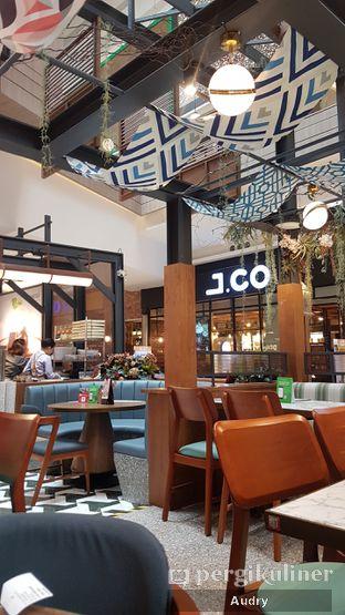 Foto 4 - Interior di Pish & Posh Cafe oleh Audry Arifin @makanbarengodri