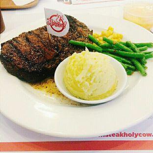 Foto - Makanan di Holycow! STEAKHOUSE by Chef Afit oleh Aghni Ulma Saudi