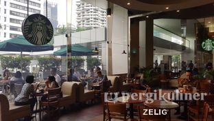 Foto 6 - Interior di Starbucks Coffee oleh @teddyzelig