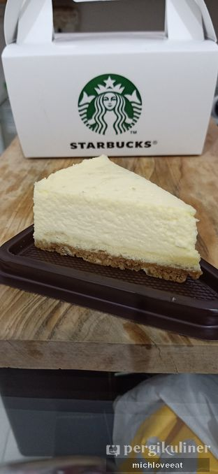 Foto 2 - Makanan di Starbucks Coffee oleh Mich Love Eat