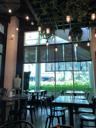 Foto 6 - Interior di Babochkaa Bistro & Coffee Bar oleh Mitha Komala
