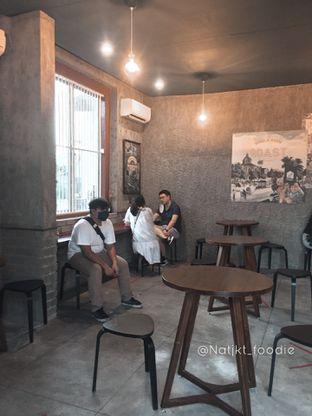 Foto 3 - Interior di Roast Coffee oleh natalia || (IG)natjkt_foodie