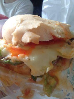 Foto 3 - Makanan di Blenger Burger oleh Pinasthi K. Widhi