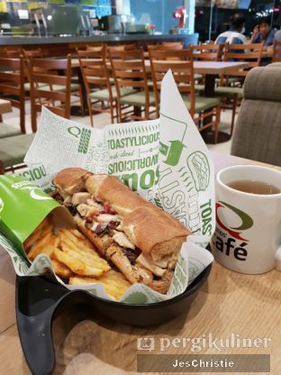 Foto 1 - Makanan di Quiznos oleh JC Wen