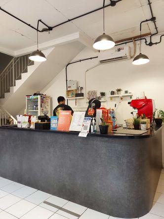 Foto Interior di Good Sin Coffee Bar