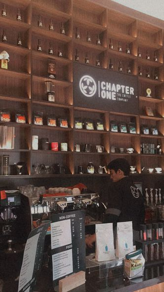 Foto Interior di Chapter One Coffee & Roastery