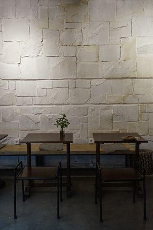Foto 12 - Interior di Kaffeine Kline oleh yudistira ishak abrar
